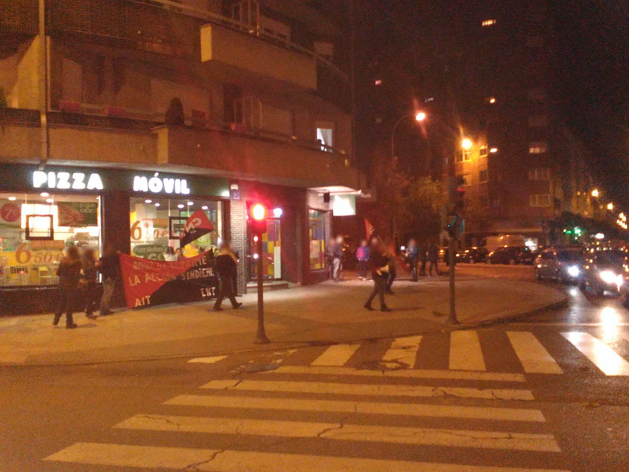 Crónica: Concentración Stop abusos en Pizza Móvil